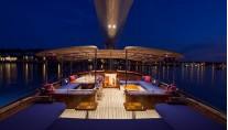 ATALANTE Yacht by night - Exterior - Photo by Silken